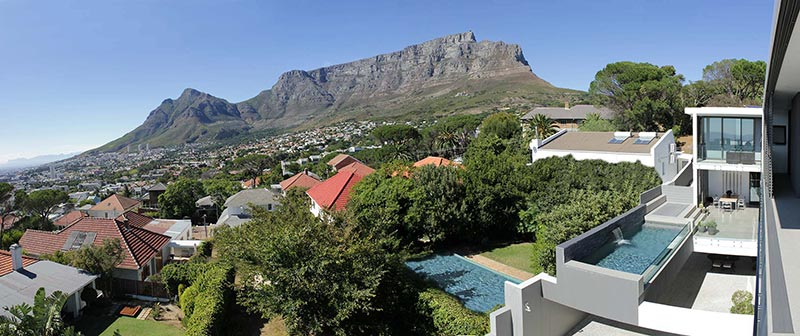 Panoramic View of Bayview House and Table Mountain