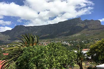 Bayview Self-Catering overlooks Cape Town suburbs and Table Mountain