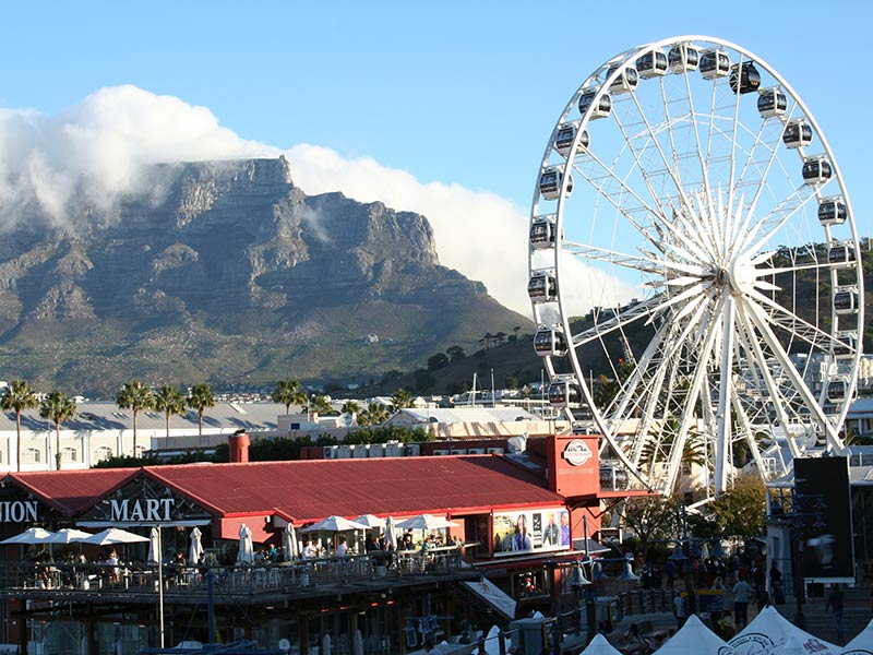 The Cape Town Big Wheel with Table Mountain