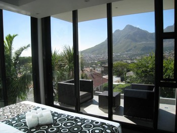 Corner Unit with unsurpassed views of Table Bay Cape Town and Table Mountain